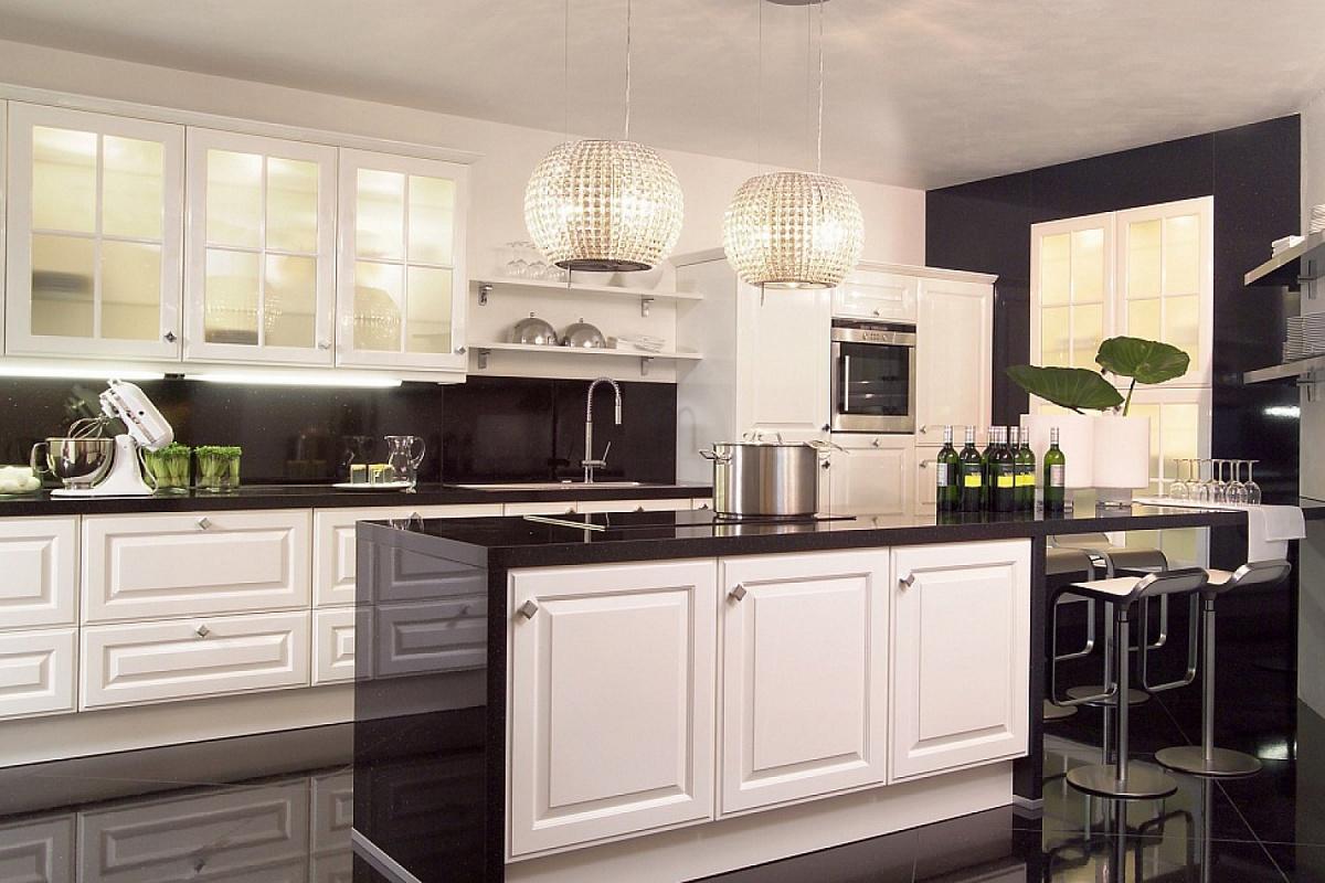 столом белые кухни с темными столешницами фото первой странице про